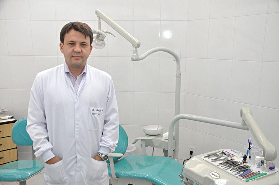 Clínica Viver & Sorrir Odonto - Dr. Leandro Alves Batista